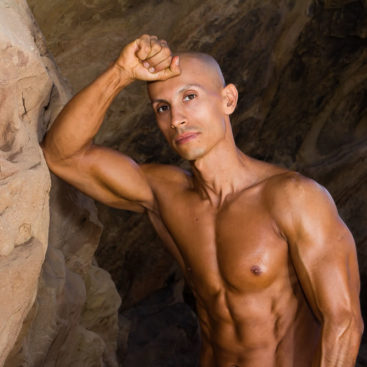 FRANK MEDRANO – THE VEGAN MUSCLE BUILDER